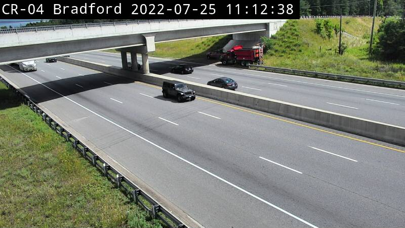 Webcam of Hwy 400 & 11th line close by Tanger Outlet Cookstown courtesy of the MTO
