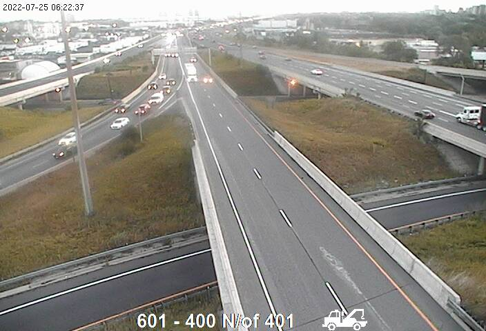 Webcam of North side of Highway 401 near Highway 400 North courtesy of the MTO
