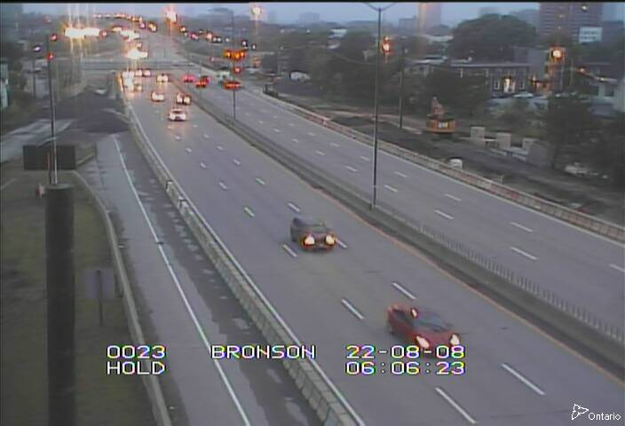 Live Traffic Camera of HWY 417 NEAR BRONSON AVE