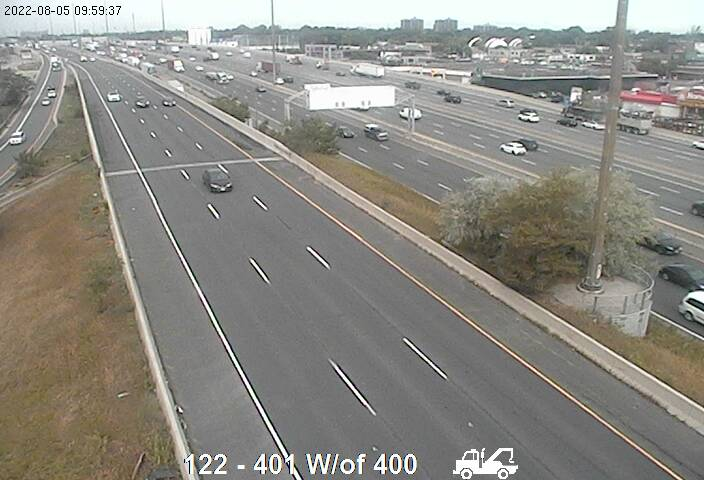 Webcam of South side of Highway 401 near Highway 400 South courtesy of the MTO