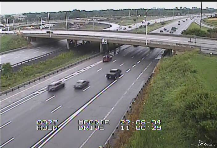 Live Traffic Camera of Highway 417 NEAR MOODIE DRIVE