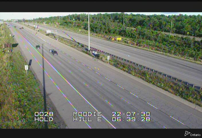 Live Traffic Camera of Highway 417 WEST OF MOODIE DR