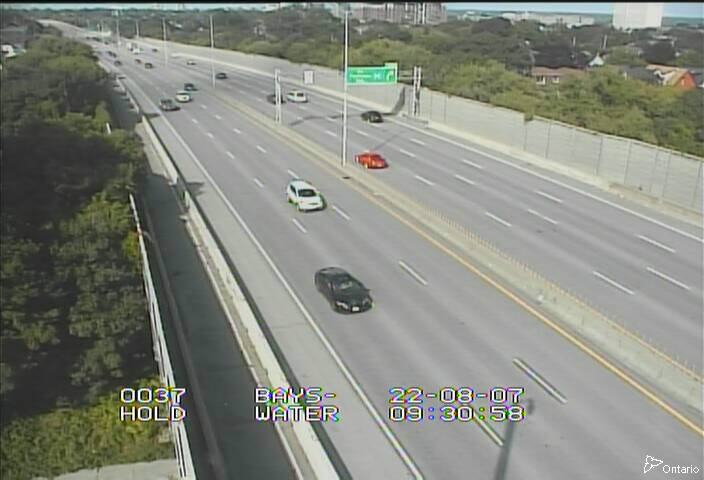 Live Traffic Camera of HWY 417 NEAR BAYSWATER AVE