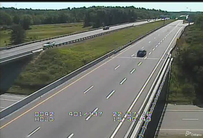 Traffic Camera showing Ontario Highway 401 at the intersection with Ontario Highway 137
