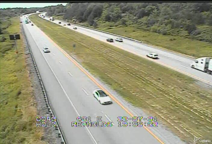 Live Traffic Camera of Highway 401 East of Reynolds Road