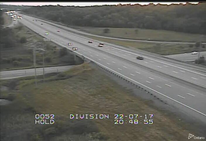 Live Traffic Camera of Highway 401 near Division Street