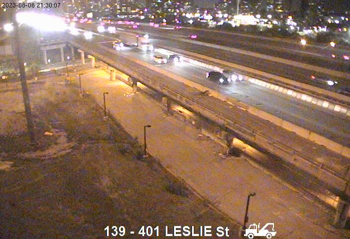 401 near Leslie St