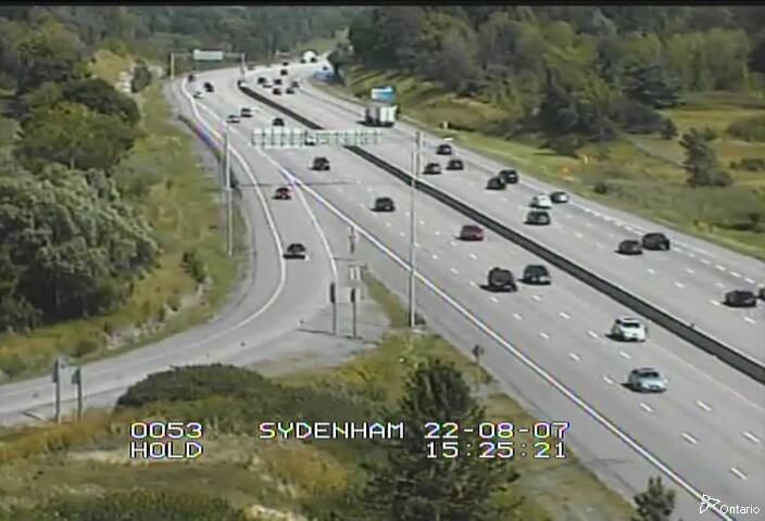 Live Traffic Camera of Highway 401 near Sydenham Road