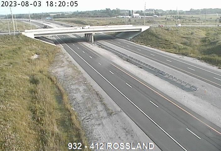 412 Near Rossland Rd